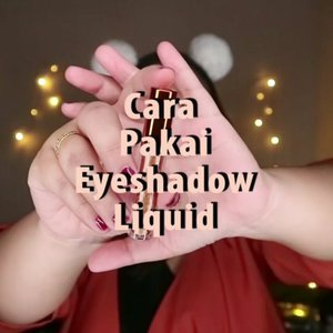 Cara Pakai Eyeshadow Liquid ada Aku 🦊..🌈 @bellaoggiitaliaofficial @cnfstoreofficial Foundation, Powder🌈 @thesaemid @thesaem.official Concealer🌈 @madame.gie Eyeshadow Liquid🌈 @getthelookid Lipstick🌈 @makeoverid Blush🌈 @absolutenewyork_id Strobing and Highlight Palette..#reginapittutorial#reginapitcom #bvlogger #bvloggerid #indobeautygram #Clozetteid  #indonesiababe  #sbybeautyblogger  #beautiesquad #IVGBeauty #indovidgram #indovlogger #setterspace #kbbvfeatured #beautybloggerindonesia