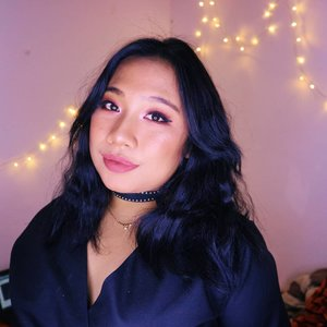 Real girls are never perfect and perfect girl are never real 🤡......#reginapitcom #sbyglamsquad#bvlogger #bvloggerid #indobeautygram #Clozetteid  #indonesiababe #bunnyneedsmakeup #sbybeautyblogger  #reginapitcom #beautiesquad #IVGBeauty #indovidgram #indovlogger #setterspace #kbbvfeatured #beautybloggerindonesia