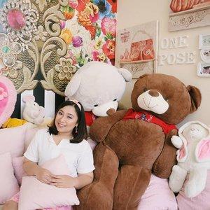 Teddy everywhere 🐻💚 . . . . #Clozetteid #ootd #beautyblogger #indonesiabeautyblogger #like4like #bodyacceptence  #sbybeautyblogger #batak #bataknese #reginapitcom