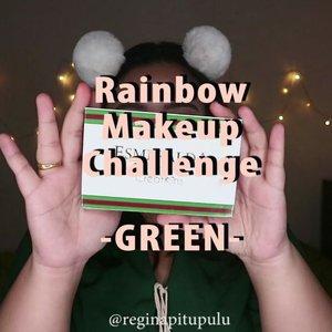 Look keempat #mindysrainbowchallenge 🐸 . Entah kenapa di makeup challenge kali ini doyan banget nyatuin semua warnannya. Baju pun disama - samain sama warnannya. Terus tetumbenan juga lengkap sama aksesori di rambut plus warnannya juga 😂 yaudahlah ya 😋 . 🌈 @beautycreations.cosmetics Esmeralda . 🌈 @getthelookid lipstick . .  #reginapittutorial #reginapitcom  #bvlogger #bvloggerid #indobeautygram  #Clozetteid  #indonesiababe  #sbybeautyblogger  #beautiesquad #IVGBeauty #indovidgram #indovlogger #setterspace #kbbvfeatured #beautybloggerindonesia