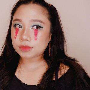 Sedang melirik 😒.Udah berapa minggu lalu bikini ini. Sekarang beneran lupa pakai produk apa aja, amsyoooong 🙈...... #reginapittutorial#reginapitcom#bvlogger #bvloggerid #indobeauautygram#Clozetteid #bloggermafia #sbybeautyblogger #beautiesquad #indovidgram #indovlogger #batak #bataknese #beautybloggerindonesia #pinterestmakeup #fairymakeup  #makeupart