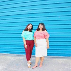 me with ma twinie winie bitie @redhacs wearing Such A Tease top from @koozel.id 💚 . . Ga sengaja sama an eh 😍 . . . . .  #ootdplussizeindo #ootdindo #plussizeindo #indonesiabeautyblogger #like4like #plussize #ootdbigsizeindonesia #sbybeautyblogger  #plussizeindonesia #curvystyleideasid  #bodyacceptence #bigsizeindo #bigsizeindonesia  #curvystyle #Clozetteid #ootd #beautyblogger  #batak #bataknese #reginapitcom  #pemuda_batak