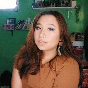 Selamat hari Rabu!Surabaya masih panas aja nih, kapan ujan 🤠......#reginapitcom #sbyglamsquad#bvlogger #bvloggerid #indobeautygram #Clozetteid  #indonesiababe #bunnyneedsmakeup #sbybeautyblogger  #beautiesquad #IVGBeauty #indovidgram #indovlogger #setterspace #kbbvfeatured #beautybloggerindonesia