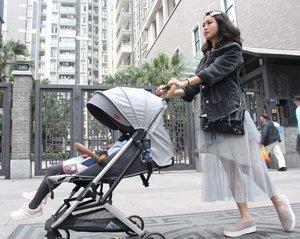 "Grey mood..Yup,stroller nya Masih ada tagnya blm di copot,Baru beli ini di Guangzhou.Karena stroller lama sudah ""tidak kuat"" lagi menghadapi manusia2 di sini & jalanan yg keras.Paling ""nightmare"" naik MRT bawa anak pake stroller.Manusia di sini GA peduli,main tabrak main sikat.Mau keluar dr MRT main tabrak,mau gendong anak keq mau bawa stroller keq.Kalau mommy yg mellow udh nangis di pojokan,menghadapi hidup keras,cm ini ""mommy Tiger"" .Dorong stroller Pasang muka galak,senggol bacokk..See you soon GUANGZHOU..❤️..#guangzhou #momblogger #momlife #mominfluencer #travel #travelblogger #instagood #instatravel #good #family #china #OOTD #ootdindo #lookbook #lookbookindonesia #style #fashion #momandkid #Clozetteid"