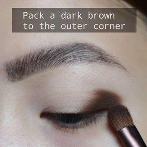 NEUTRAL🌰 Beginner friendly eye look 🌼  Gak kok ga cut crease 😂 . Deets @tartecosmetics tarteist pro palette @colourpopcosmetics golden state of mind @stilacosmetics kitten karma . . . . #fakeupfix #makeupforbarbies  #setterspace @setterspace #makeuptutorial #stilaglitterandglow #anatasiabeverlyhills #peachyqueenblog #abhbrows #bretmanvanity #eyemakeupvideos #ColourPopMe #amrezyshoutouts #wakeupandmakeup  #instamakeup #undiscovered_muas #morphebabe  #beautycommunity  #fiercesociety  #sigmabeauty @sigmabeauty  #bunnyneedsmakeup @bunnyneedsmakeup #clozetteid #beautybay #blendtherules