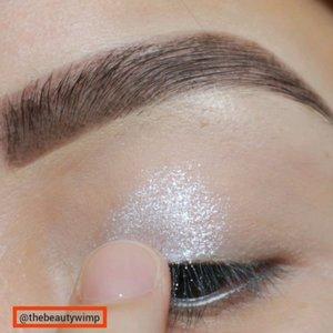BEEN A WHILE 👁️👁️👁️Glittery Glam 🌸..Deets@maybelline fashion brow 3D @colourpopcosmetics golden state of mind@morphebrushes 39M@nyxcosmetics_indonesia liquid eyeliner..#fakeupfix #makeupforbarbies  #eyeshadowtutorial  #peachyqueenblog #clozzeteid #bretmanvanity #eyeshadowswatch #ColourPopMe #clozetteid #morphebabe #undiscovered_muas #bunnyneedsmakeup  #wakeupandmakeup #fiercesociety  #sigmabeauty #flawlesssdolls #morphebrushes #nyxcosmetics_indonesia.