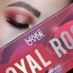 EASY EYE LOOK using @makeoverid @makeover.surabaya Royal Rose Palette.Gimana sudah ada yang ancang2 beli belom? Wkwk.First Impression :+Brush quailty is good+Variasi warna dalam satu palette are pretty +Formula is blendable+ Suitable for daily look- pigmentation isnt as bold as it looks on the pan- metallics are best applied with fingers, kalo pake brush kurang nampol.However, its just my personal opinion ya, karena biasanya im more into bolder eye look. If you like korean-ish makeup look i think you'll dig it...#makeupfeed #unleashyourinnerartist #creativemakeup #eyelooks #makeuptutorial #makeuplooks #wakeupandmakeup #sigmabrush #clozetteid #slave2beauty #wake2slay #eyeshadowtutorial #amrezyshoutouts #undiscovered_muas #inssta_makeup #makeupaddict #featuremuas #morphebabe #beautyunderyourinfluence