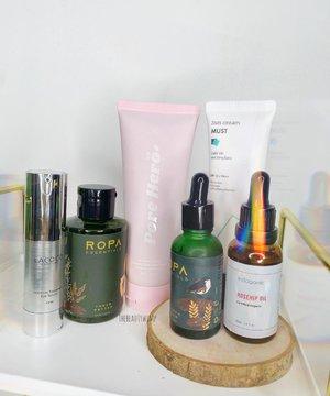 New in stash!  Newly opened kabeh ✨✨✨  Products featured : @lacoco.id eye serum @ropa.porta toner better & triump serum @indoganic_official RoseHip Oil (Minus si Vit C serum karena tak masukkan kulkas) @poreherobeauty clay mask @simplisticindonesia suncream  . . .   #beautygoersid #instamakeup  #makeuptutorial  #beautyenthusiast  #100daymakeupchallenge #makeupfeed #unleashyourinnerartist #creativemakeup  #makeuptutorial @setterspace @tampilcantik @tiktokofficialindonesia @cchanel_beauty_id @tips_kecantikan  @popbela_com  #makeuplooks #wakeupandmakeup #clozzeteid #sigmabrush #clozetteid #slave2beauty #wake2slay  #amrezyshoutouts #tiktokindonesia #undiscovered_muas #inssta_makeup #berbagiskill #tiktokindonesia #tiktok #samasamadirumah 
