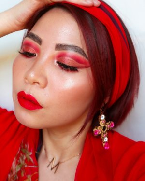 Red Makeup Pergi ke Posyandu with affordable products 💸 Tutorial nya nyusul besok yah 💃 _____ Deets : @colourpopcosmetics Main Squeeze @rollover.reaction Cushion @essence_cosmetics Hey Cheeks Blush,Bronzer,Highlighter Palette @avoskinbeauty hydrating treatment essence @sadabycathysharon Lipmatte Fatma - - - - #wakeupandmakeup  #clozzeteid #clozetteid #undiscovered_mua #setterspace #ccchanelbeauty_id  #beautygoersid  @setterspace @tampilcantik  @cchanel_beauty_id @tips_kecantikan  @popbela_com  #motd #100daymakeupchallenge #fakeupfix #makeupforbarbies2  #peachyqueenblog #bretmanvanity #amrezyshoutouts  #beautygram  #makeupobsession #fiercesociety #bunnyneedsmakeup #hypnaughtymakeup #makeupinspiration  #beautybay  #sigmabeauty