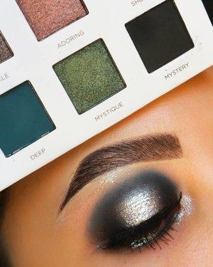 Biar pas 3 gitu 👌TUTORIAL ON PREVIOUS POST________MINERAL BOTANICA GLOW SERIES YA'LLLLL_________@mineralbotanica Dazzling Wonder 03, Tinkle Liquid Eyeshadow in #PearlSnow..Eyebase @sigmabeauty PersuadeBrushes @ecotools @masamishouko @bhcosmetics..#makeupfeed #unleashyourinnerartist #creativemakeup #eyelooks #makeuptutorial #makeuplooks #wakeupandmakeup #clozzeteid #sigmabrush #clozetteid #slave2beauty #wake2slay #eyeshadowtutorial #focallure #amrezyshoutouts #undiscovered_muas #inssta_makeup #makeupaddict #featuremuas #morphebabe #beautyunderyourinfluencer #gowiththeglow #glowseries