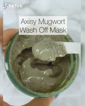 """Axisy Mugwort Wash Off Mask  Intinya, brand ini @axisy.indonesia sangat thoughtful ya aku terharu karena dia memikirkan dan mendengarkan komunitas nya yg mengeluh akan kerap nya terjadi """"maskne"""" (acne krn pemakaian masker sehari-hari) , dan yg stay at home untuk bisa pampering diri dirmh dgn ingredients yg jg thoughful 😭😭  Wash off mask ini pokoknya dirancang dgn bahan-bahan yg gentle diwajah jadi bisa dipake ALL SKIN TYPE.  Yg uda nyobain pasti paham, setelah pake ini, wajah itu berasa bersih tapi gak kering. Moisture alami kulit ga kesedot gt lah bahasa gampang nya.  Beads exfoliating nya jg pake bahan alami : Azuki Bean granules. Jadi meskipun masker udah kering, ini granules msh tetep empuk. Jd meminimalisir kulit tergesek (terutama bagi yg sensitive ya) .  8.5 out of 10 ✅ 👉🏼Bisa kalian beli di @beautyglowing (distributor resmi Axisy di Indonesia) . . . .   #beautygoersid #instamakeup  #makeuptutorial  #beautyenthusiast  #100daymakeupchallenge #makeupfeed #unleashyourinnerartist #creativemakeup  #makeuptutorial @setterspace @tampilcantik  @cchanel_beauty_id @tips_kecantikan  @popbela_com  #makeuplooks #wakeupandmakeup #clozzeteid #sigmabrush #clozetteid #slave2beauty #wake2slay #eyeshadowtutorial  #amrezyshoutouts #tiktokindonesia #undiscovered_muas #inssta_makeup #berbagiskill #tiktokindonesia #tiktok #samasamadirumah  """