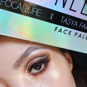 TUTORIAL ON PREVIOUS POST♥️ Using @ars_fashion Focallure x @tasyafarasya 🌼 . . Highlighter brush @sigmabeauty F03 . #fakeupfix #makeupforbarbies #beautygram #makeupblogger #eyeshadowtutorial #smokeyeyetutorial #peachyqueenblog #clozzeteid #bretmanvanity #eyeshadowswatch #beautygram#clozetteid #instamakeup #undiscovered_muas #smokeyeye  #wakeupandmakeup #fiercesociety  #hypnaughtymakeup #makeupinspiration  #sigmabeauty #flawlesssdolls #focallure #nyxcosmetics_indonesia .