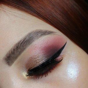 TUTORIAL ON PREVIOUS POST.Glittery Glam 🌸..Deets@maybelline fashion brow 3D @colourpopcosmetics golden state of mind@morphebrushes 39M@nyxcosmetics_indonesia liquid eyeliner..#fakeupfix #makeupforbarbies  #eyeshadowtutorial  #peachyqueenblog #clozzeteid #bretmanvanity #eyeshadowswatch #ColourPopMe #clozetteid #morphebabe #undiscovered_muas #bunnyneedsmakeup  #wakeupandmakeup #fiercesociety  #sigmabeauty #flawlesssdolls #morphebrushes #nyxcosmetics_indonesia.