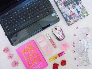 Another post already updated!! Pillowtalk #2 aku sharing blogger kit for beginner💻⌨🖱📷🎬dan dimana kita bisa belanja perlengkapan blogging murah, henat, dan dapet banyak cashback, apalagi pas #Harbolnas dimana lagi kalo bukan di @shopbackid 💸💸💸. As always, kalian tinggal klikl link aja di bio aku buat baca review lengkapnya😊😊 . . . #clozetteid #ggrep #wonderlandbykartika #blogger #lifestyleblogger #lifestyle #travelblogger #travelling #fancystuff #flatlay #ulzzang #블로거#얼짱#라이프 #스타일 #블로거#ライフスタイルブロガー#ブロガー#kawaii #かわいい#旅行#旅行ブロガー#여행#여행자#여행스타그램#indonesianhijabbloger #bloggerperempuan #kumpulanemakblogger #beautiesquad