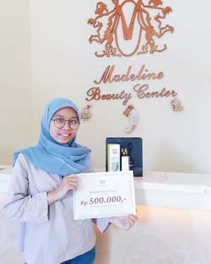 So, couple days ago I got a good news and it's about I win the facial review that I post on my blog. On wenesday I visited @madeline.mbc to pick up the prize that I got(I got @theskin_rapha product, too)😍Thank you so much Madeline for the opportunity winning the competition😘 and did my Super Oxy Facial (the facial is that good, really good)💆💆💆 . . . #BloggerContest #MadelineBeautyCenter #TheSkinRapha #KlinikKecantikan #SuperOxyFacial #KlinikKecantikanJakarta #KlinikKecantikanSerpong #clozetteid #ggrep #blogger #beautyblogger #beautyvlogger #makeup #skincare #ulzzang #블로거 #얼짱 #뷰티블로거 #ブロガー#美容ブロガー #kawaii #かわいい