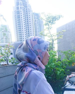 Sometime, you need to look at the other side to find another way out💗.Hijab by @elscarfy_id...#clozetteid #kartikaryaniootd #hotd #ulzzang #fashionblogger #ootd #whatiweartoday #hijabootdindo #hijabers #hijaberscommunity #hijabblogger #instastyle #블로거#얼짱#패션스타그램#패션블로거#스트리트패션#스트릿패션#스트릿룩#스트릿스타일#패션#스타일#일상#데일리룩#셀스타그램#셀카#ブロガー #ファッションブロガー