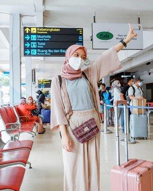 가지 가자 세훈아💃🏻💃🏻...#clozetteid #kartikaryanitraveldiary #airport #bandara #lifestyleblogger #wonderfulindonesia #bali #halimperdanakusuma #travelblogger #travelling #ootd #블로거#얼짱#라이프 #스타일 #블로거#ライフスタイルブロガー#ブロガー#かわいい#旅行#旅行ブロガー#여행#여행자#여행스타그램 #hunnyeo #훈녀