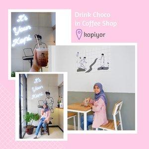 Es coklat [Ice Choco]🍫🥛 Kebiasaan dari dulu tiap ke Coffee Shop, pesannya minuman yg rasa coklat😅 salah satu Coffee Shop baru di Bekasi yg punya tempat cozy dan pilihan menu bervariasi dan harganya terjangkau, @kopiyor. _____________  Cabang di Bekasi ada di daerah Galaxy, lebih jelasnya bisa langsung klik di profile aku buat reviewnya😉👌. . #clozetteid #ggrep #wonderlandbykartika #coffeeshop #cafe #tempatngopi #enjoybekasi #bekasifood #cafebekasi #ulzzang #foodblogger #foodie #foodporn #kuliner #foodgram #foodphotography #foodpics #foodaddict #foodism #블로거#얼짱#ブロガー#음식#블로거 #hunnyeo #훈녀