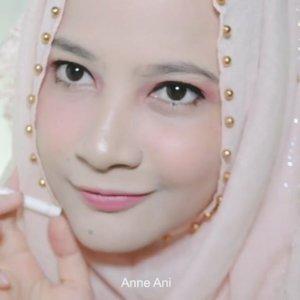 Yuhhuu @fanbocosmeticslagi ada produk terbaru loh guys, yaitu lip & eye, lip & cheek, natural gray eyebrow pencil, dll yang aku lagi pake di video tutorial ini, kalo pengen lihat vr lengkapnya lagi yuk intip di youtube channel aku : anneani ♥️.#fanbocosmetic #fanbo2inproduk #fanboeyebrownaturalgray #beautyinfluindoxfanbo #clozetteid #beautyinfluencer