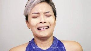 ⬆️⬆️⬆️ MEKAP SIMPLE KE KONDANGAN NGIKUT BONYOK ⬆️⬆️⬆️ Biar dilirik sana sini pas ngantri kambing guling. Beauty deeds:- powder mask @lazetta.id - moisturizer @dermalogica_indonesia - Genifique Advanced @lancomeindonesia - Makeup Base @celebon_korea - Foundation @nyxcosmetics_indonesia - Pumpkin Sorbet- Contour brush @mineralbotanica @blpbeauty - Highlighter @sorchacosmetic - lips Les Chocolates @getthelookid @lorealindonesia - Mascara OMG @musthave.id..🎶 Ollie Murs - Wrapped up.....#Setterspace#clozetteid#theshonet#lookbookindonesia#indobeautygram#indobeautychannel#beautychannelid#indobeautysquad#bunnyneedsmakeup#ladybossjkt#bvvlogger#jakartabeautyblogger#indobeautyblogger#ivgbeauty#channelbeautyindonesia#Tampilcantik#ragamkecantikan#nusantaramood#100daysofmakeup#Inspirasicantikmu#Artmakeup#fantasymakeup#inspirasicantik#videotutorial#beautymakeuplooks#dwiendahpusparini#tasyashoutoutfarasya