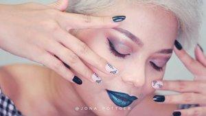 "Mau kuku cantik ON THE GO for FREE? @dluxenailart mau bagi2 High Quality Fake Nails Art untuk 3 pemenang utama dan 5 voucher discount untuk 5 pemenang.  Caranya? 1. Repost video ini di feed dan igs kamu Jangan lupa mention and tag @jona_pottger dan @dluxenailart 2. Tulis caption terbaik kamu ""Why do I love fakenails?"" 3. Follow @jona_pottger dan @dluxenailart 4. Sertakan #JonaPottgerxDluxenailart  5. No fake account 6. Account yg sdh pernah menang di GAku, kasih kesempatan yg belum menang yah 7. GA periode sampai 11 Agustus 8. Repost di feed cukup 1x saja. Repost igs boleh sebanyak2nya. 9. Be actice! 10. Subsidi ongkir 15rb, sisanya ditanggung pemenang.  Okeh, so now is my turn to tell you why I love fakenails.  Sebagai ibu rumah tangga yang merangkap beautyblogger pastinya selalu berpacu dengan waktu donk yah. Entah itu ngurus rumah dan filming bikin content. Andaikan waktu itu lebih dari 24 jam jg ga bakalan pernah cukup.  Mau kuku cantik tanpa perlu ke salon lagi duduk berjam2 sampai pegel itu pertolongan yg roaaaar biasa. Jd dengan @dluxenailart skrg aku bisa hemat waktu, kuku tampil cantik dengan high quality nail art. Bentuknya natural, nyaman dipakai, tahan lama, waterproof dan juga kuat.  Jadi ketagihan dhe pake fakenails @dluxenailart 🌟🌟🌟🌟 #reviewkukupalsu #fakenails #highqualitynailart #nailart #nailartvideoclip  #nailartvideotutorial  #kukupalsucantik  #infogiveaway #kukupalsuwedding  #weddingfakenails  #Setterspace #clozetteid #theshonet #lookbookindonesia #indobeautygram #indobeautychannel #beautychannelid #indobeautysquad #bunnyneedsmakeup #ladybossjkt #bvvlogger  #jakartabeautyblogger #indobeautyblogger #ivgbeauty #channelbeautyindonesia  #dwiendahpusparini #tasyashoutoutfarasya"