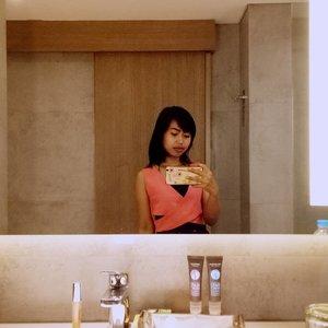 Take a selfie at bathroom is a must 😋☺ * * * #riveracosmetics #lipgloss #selfiemirror #selfiebathroom #beauty #ClozetteId #novotel #jakarta