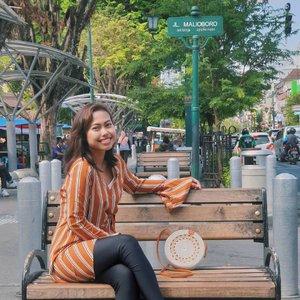 Selamat Pagi! kangen pagi hari di Malioboro. Happy banget liat di sana trotoarnya makin rapi dari tahun ke tahun. Makin nyaman buat dipake jalan santai atau bersepeda santai 💕 . Semoga thn depan bisa mampir ke sini lagi 😊🤗 . . . #clozetteid #yogyakarta #malioboro #pesonaindonesia #travel #traveling #TFLers #vacation #visiting #instatravel #instago #instagood #trip #holiday #photooftheday #fun #travelling #tourism #tourist #instapassport #instatraveling #mytravelgram #travelgram #travelingram #igtravel