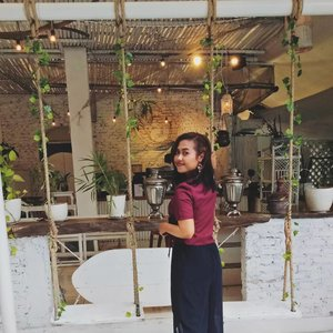 we may not know where we will end up in the future, but trust the process  surely it will be good 🌷🌼🌻 . 📷 @indahhayu Acc @earforyou.jkt . . . . #ootd #instagramable #resto #likeforlikes #clozetteid #beautyenthusiast #happythursday #cozyplace