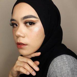 Eyelook yang diluar zona nyaman 😁  #makeup #makeuplook #makeupoftheday #makeupinspiration #beautygram #beauty #instabeauty #beautyblogger #beautyvlogger #beautyenthusiast #clozette #Clozetteid