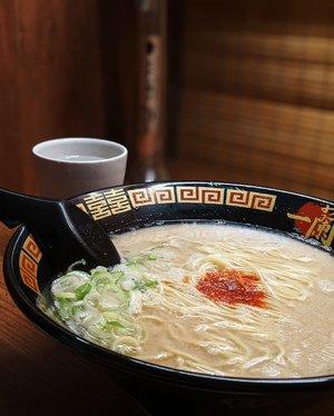Throwback to the time I worked my way through my food limits #WheninJapan, exploring the unusual or visit my favourite bowl of Ichiran Ramen 🍜 @ichiranjp📍#Tokyo, #Shinjuku#DinsDayOff #DinsAppetite #eattheworld #forkyeah #forkfeed #tablesituation #TeamPixel #LibraSeasonTrip #ClozetteID #aColorStory