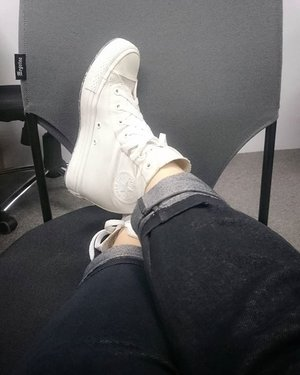 A very #monochrome shot of my not-so-white-anymore #Converse, but still deeply in love with this #Shoes // #Clozette #ClozetteID #Shoefie #Sneakers #feetonfleek (and pardon my calf)