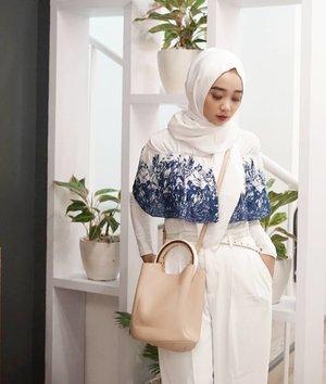 Had a ssuuppeeer long day and Im ready for weekend 😎 brb langsung bersihin makeup - pakai skincare - tarik selimut 😋 Have a great friday night people 🤗 . . . . #simplycovered #hijabstyle_lookbook #hijabfab #hijabwear #chichijab #hijabdaily #makeupuntukhijab #hijabmakeup #muahijab @clozetteid #clozetteid #modestfashion #modestfashion