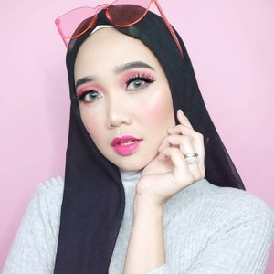 A lash and a wink, gets you further than you think 💝 . . . . .  #simplycovered #hijabstyle_lookbook #hijabfab #hijabwear #chichijab #hijabdaily #makeupuntukhijab #hijabmakeup #muahijab #setterspace @setterspace @clozetteid #clozetteid #beautychannelid @beautychannel.id @beautybloggerindonesia #beautybloggerindonesia @tampilcantik.ind #tampilcantik