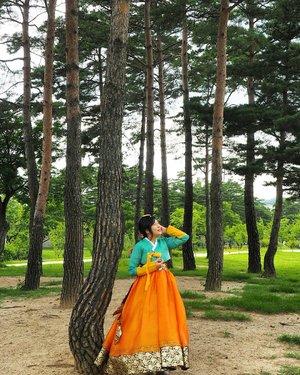 Iseng upload 🙆. Gonna filming tomorrow. Smoga lancar jaya 💖. . . . . . . . . #seoul #gyeongbokgung #beautyblogger #beautyvlogger #korea #seoulkorea #beautyjourney #trip #travel #travelling #hanbok #seoultrip #makeupjunkie #makeup #photography #photographysouls #clozetteid #clozzete