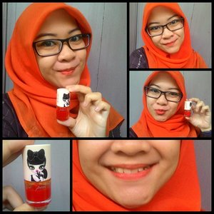 BAM! ORANGE! Peripera Peri's Tint in Orange Juice 🍊 The shade brightens up this rainy day already. It is really watery but not too pigmented (only for this shade, I need to swipe twice in the pic). Sad thing is it has glass packaging so I never risk to bring it in my pouch, scared that it breaks and I will see orange stain all over my bag. Horrible #day11 #1day1lipstick #lipstickchallenge #clozetteid #clozettedaily