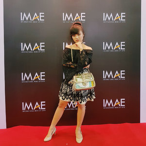 Red carpet @imaeofficial ��🖤 ・・・ #IMAE2017 #whatiwear #ootd #outfitoftheday #redcarpetstyle #clozetteid