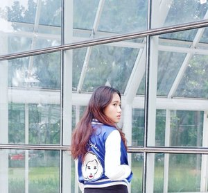 The beauty of woman is not in a facial mode, but the true beauty in a woman is reflected her soul. It is the caring that she lovingly gives the passion that she shows. The beauty of a woman grows with the passing years — Audrey Hepburn . 📷: @rahmanfakhri . #Clozette #ClozetteID #fashion #jacket #cropjacket #baseballjacket #kikomizuhara #quoteoftheday #audreyhepburn