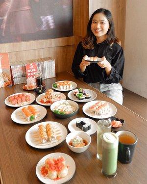Sebagai anak yang doyan makan banyak, aku seneng banget sama tempat makan yang nasih opsi AYCE (all you can eat) jatohnya lebih irit karena bisa makan banyak sepuasnya tp bayarnya murah. Nah, akhirnya mumpung awal bulan nih gengs, tadi aku icip icip sushi AYCE di @sushinaruBayar 165rb NET bisa makan sepuasnya sampe perut mblodos😭🤣 dengan harga segitu kamu udah bisa pesen sushi, rice bowl, ramen, appetizer, minuman, dan desset. Lengkap banget bundahhhh~Aku suka banget sama ramennya sumpah enak banget, kaldunya gilak sih enaknya😭Terus salmonnya juga manis seger, ada satu sushi favorit aku, tp lupa namanya😌Tenang guys, menu di sini halal. Jadi aman🙏🏼 #ClozetteID #food #beautybloggerindonesia #indobeautysquad #beautybloggerceriaid #beautiesquad #indobeautygram #beautyblogger #foodie #foodstagram #foodies #qraved #qravedjakarta  #sushi #sushitime #sushinaru #sushiserpong #sushinaru #sushigadingserpong