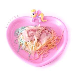 Rainbow spagetti at Miss Unicorn Cafe