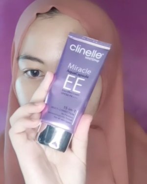 Udah lama ga upload tutorial makeup 😂 ini look makeup minggu lalu sebenernya dan baru inget wahahaa udah dah upload sekarang aja 😝Detail Produck :@fanbocosmetics Perfect Bounce Beauty Blender Pear Shape@clinelleid Whitenup Miracle Aqua Capsul EE Ivory@shuuemura Unlimited 764 Medium Light Beige@essence_cosmetics Hey Cheeks Blush, Bronzer & Hinghligter Palette@maybelline Total Tempration Waterproof Hydrofuge Mascara@casandracosmetics Waterproof 2in1 Eyeliner & Mascara@blackrouge_id Cream Matt Rouge CM03 - Cassiopeia#ClozetteID #TutorialSilta #indobeautygram #indobeautysquad #indonesiabeautyblogger #tutorialmakeup #tutorialmakeupflowles