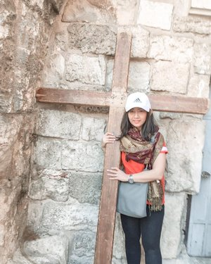 Blessings to all on this Good Friday. On this day we're remembering Jesus gave his life for us.  This is Church of the Holy Sepulchre, the place where Jesus was crucified, buried and resurrected. The place also known as Golgotha.