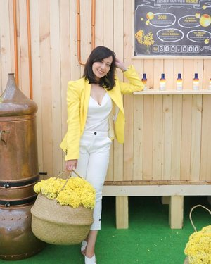 "A little throwback to @loccitane_id event ""A Magical Sensorial Journey"" on last weekend. Can't help myself for not taking photos on each cute booths installation 💛 📸 : @kaiimmaa  #LoccitaneID #SensorialJourneyID #clozetteID"