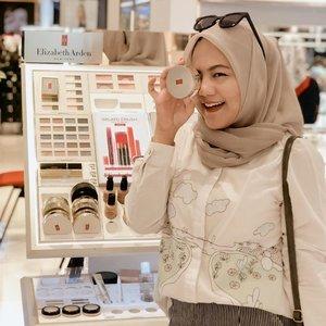 Weekend kemaren sehabis dari event outdoor aku sempetin main ke counternya @elizabetharden @beauteous_you di Sogo TP 4 . Untuk sekedar berkenalan jauh lebih dalam dengan produk2 dari @elizabetharden 😍😍..#clozetteid #clozetteambassador #elizabetharden #sbybeautyblogger  #bloggerindonesia #indobeautysquad  #influencer #beautyinfluencer #surabayainfluencer #surabayablogger #influencersurabaya  #indonesianbeautyblogger  #bloggerid #bblogger #bbloggerid #훈녀 #훈남 #팔로우 #선팔 #맛팔 #좋아요 #셀카#셀피 #셀스타그램 #얼스타그램 #일상