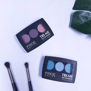 Dua shade eyeshadow dari @facerecipe yang sudah saya coba. Shade kedua sengaja memilih warna biru, karena warna ini bisa dan menurut saya lebih cocok kalau mau di mix sama warna shade ungu maupun pink. Birunya juga bukan yang jreng banget, malah ada yang lebih ke biru tosca gitu....#Clozetteid #eyeshadow #MakeUpCollection #ivoniebeautytalk #emaktjantik #malangbeautyblogger #beautiesquad #indonesianbeautyblogger #bloggerperempuan