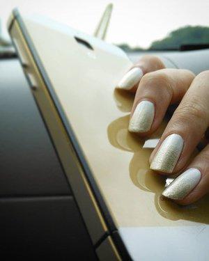 Soft glamorous 💅 #nail #nails #nailart #nailpolish #nailcolor #white #gold #ClozetteID #COTW #GoodNailsNeverFails