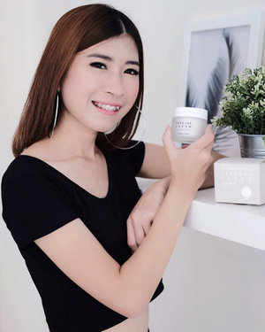 I have a dry skin type, so I need more care and I'm happy to have this on the main treatment for my skin, Cream @dr.parkcell Defense protects the skin from dust and sunlight and can moisturize the skin 🖤.Want to try it? Take a look here http://hicharis.net/chikaliu/7ca and get discounts up to 30% or klik link on my bio :)@charis_official @hicharis_official...#beautybloggerindo #bdgbeautyblogger #beautybloggerindonesia #bandungbeautyblogger #fujifilmxa20 #ceritacantik #tribepost #ggrep #clozetter #clozetteID#bloggermafia #influencer #tampilcantik #influencerstyle #charisceleb #indobeautygram