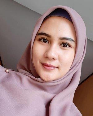 Jika aku  memiliki tindakan tidak baik,jangan salahkan hijabku tapi yg salah adalah sifat dan sikapku. Karena aku hanya seorang wanita biasa yg memiliki banyak dosa. Maka tegurlah aku secara perlahan happy #worldhijabday #harihijabsedunia #hijabers #hijabstyle #hijabfashion #lfl #fff #clozette #clozetteid