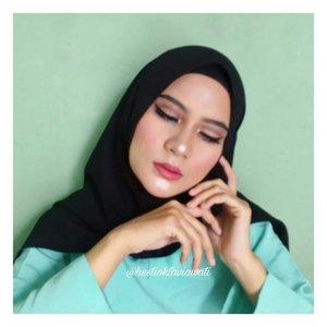 Saat princess jasmine lelah dgn atributnya jadi wae kieu...Seperti janji aku, tutorial bikin meap kaya gini untuk face ada di post setelah ini ya baby 😄 🔚🔚🔚🔚🔚🔚 #homakeupstory #beautyvloggerid  #aladdinmakeup #makeupaddict #beautyvloggerindonesia #indobeauty #smartbeautycommunity #indobeautygram #makeupenthusiast #beautytalkindo #indobeautysquad #bloggerperempuan #setterspace #beautyguruindonesia #indomakeupsquad #muapandeglang  #teambvid #beautychannelid #hijabersbeautybvlogger #bunnyneedsmakeup #beautybloggertangerang #beautysecretsquad #clozette #smartbeautycom #clozetteid #beautycollabid #indobeautygram #tutorialmakeuplg #tampilcantik #inspirationmakeupwr @inspirationmakeup_wr @tampilcantik @indobeautygram @indobeautygram @bvlogger.id @beautytalk_indo @beautilosophy @inspirasimakeup.id @setterspace @beautyguruindonesia @indobeauty_squad @teambvloggerid @beautychannelid @indomakeup_squad @beautyvlogger.id @bunnyneedsmakeup@smartbeautycommunity @bloggerperempuan @beautysecretsquad @beautyblogger.tangerang @smartbeautycommunity@beautycollabid