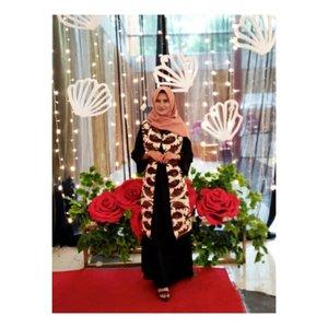 Akhirnyaaa bisa ootd lagi...#ootdhijabindo #ootdhijab #ootdfashion #ootdkondangan #hijabstyle #hijabers #hijabfashion #hijabku #hijaber #hestistyle #ootd #clozette #clozetteid #scraft #batikmodern #dressmuslimah