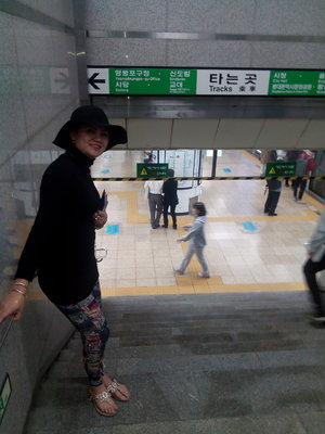 Went subway....I will go to dongdaemun migliore mall for midnight shopping girls....they open until 5 a.m. .....#OOTD